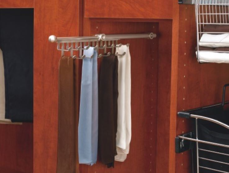 Pullout Scalf / Tie Rack
